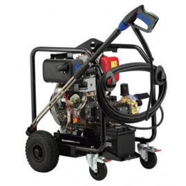 Benzin/diesel üzemeltetésű magasnyomású melegvizes mosóberendezések